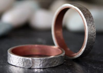 Hammered silver ring with copper (can help those who suffer with arthiritus ú46