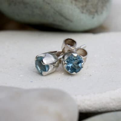 Silver stud earrings with aquamarine gemstone